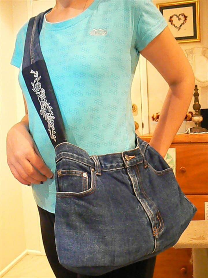 old jeans college bag.a cool bag from an old pair of denim jeans.