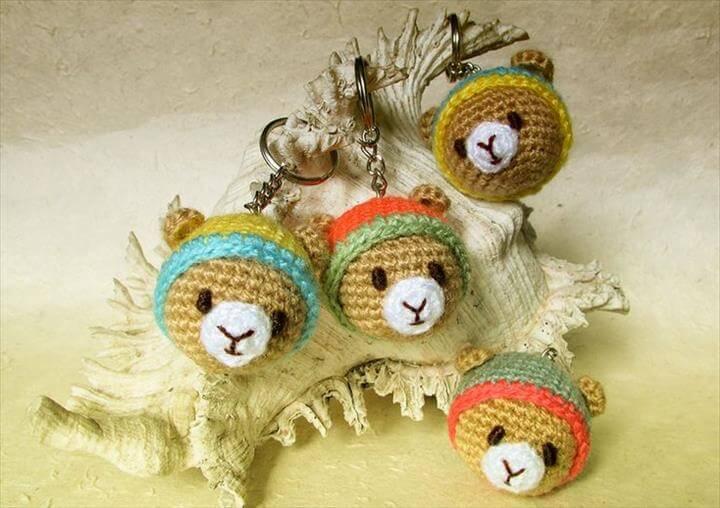 amigurumi-teddy-bear-keychain-free-pattern