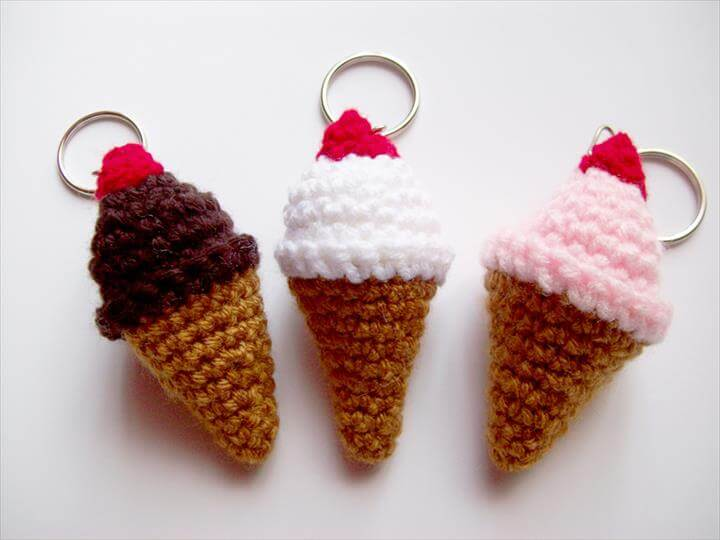 beautiful-crochet-ice-cream-cone-keychains