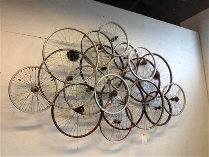 32 Recycled Bike Into An Amazing Arts amp Design DIY To Make