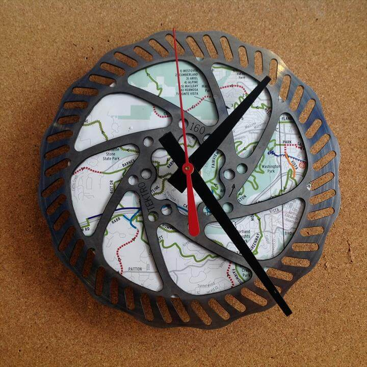 Clock made from a recycled Bike crank Gear | Old Bicycle, Bicycles and Clock