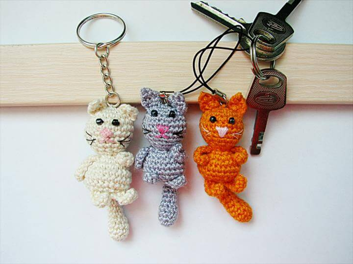 Crochet Keychain : 62 Easy Handmade Fun Crochet Pattern Keychains DIY to Make