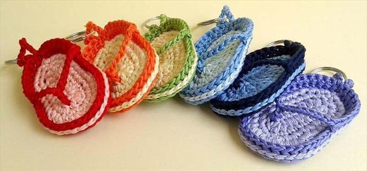 FREE crochet pattern Key chain flip-flop, Hand made flip flop key chain. Flip flop key chain - Crochet key chain flip-flop