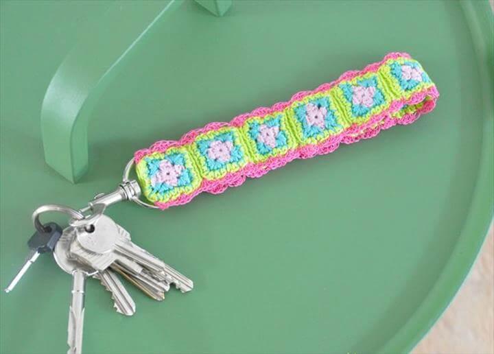 crochet-granny-square-keychain