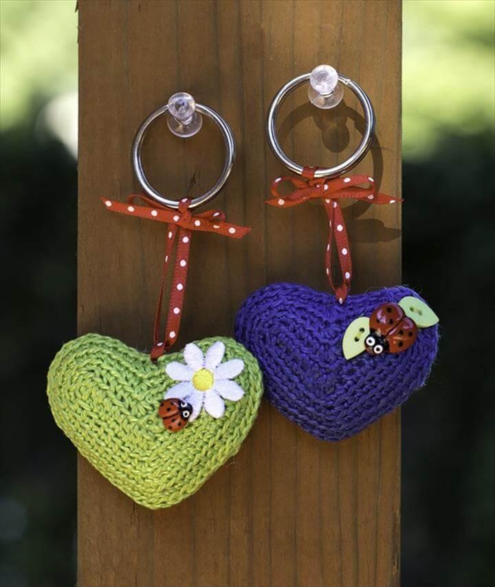 crochet-hearts-keychains