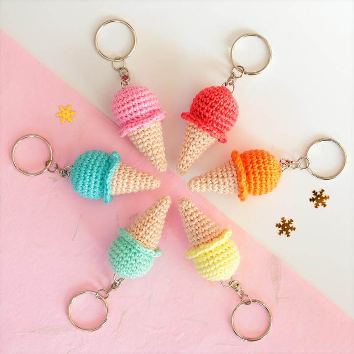crochet-ice-cream-keychain