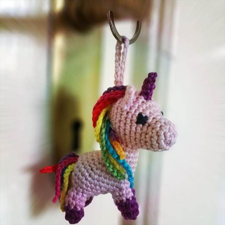 crochet-unicon-keychain