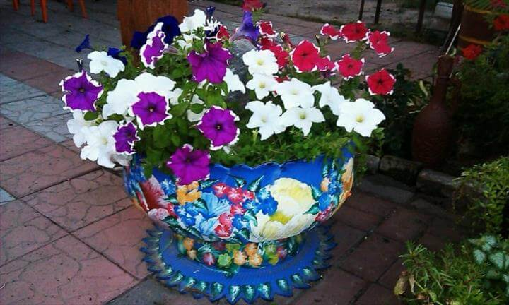 DIY garden ideas: flower pots and chairs made recycled tires