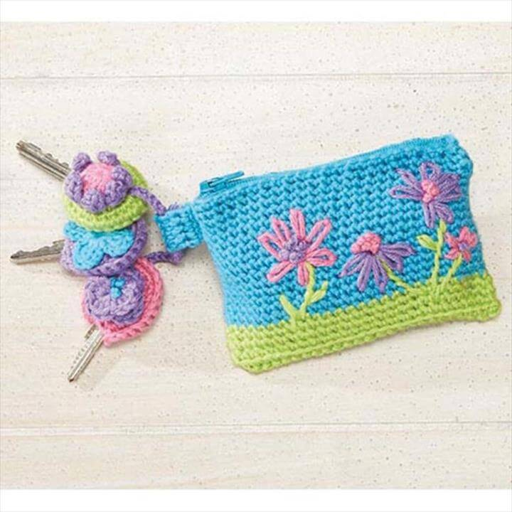 lovely-crochet-crazy-daisy-key-ring