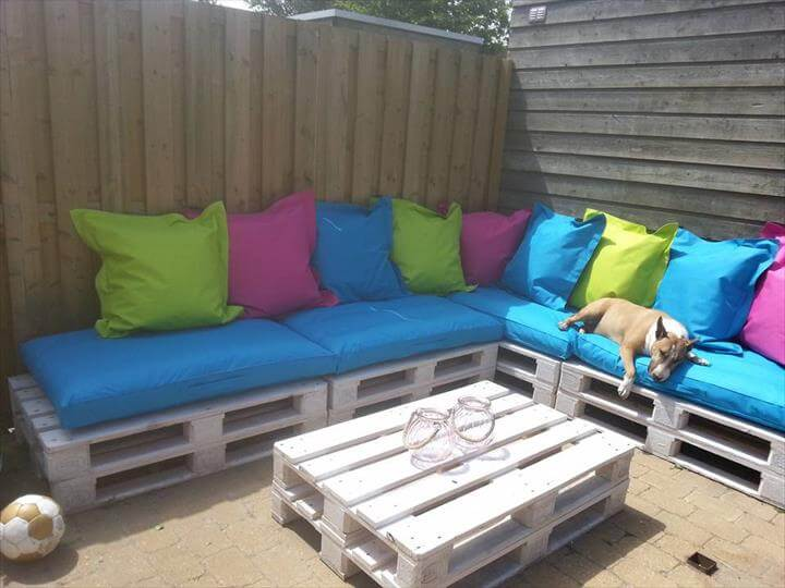 DIY Pallet Patio Sectional Couch