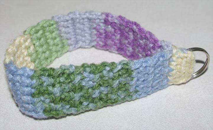 wristlet-key-chain-free-crochet-pattern