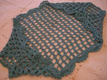 Relaxed Shrug DROPS Design