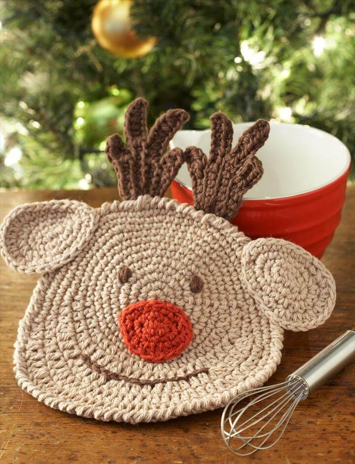 crochet reindeer dishcloth idea