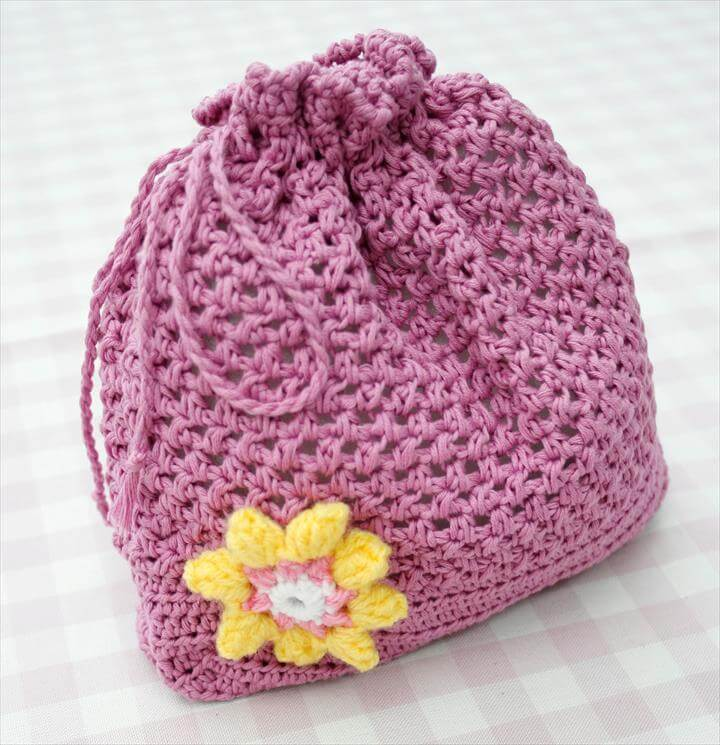 FREE Crochet pattern for cute draw-string bag