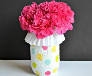 Cute DIY Mason Jar Ideas - Polka Dot Mason Jar Vase - Fun Crafts, Creative