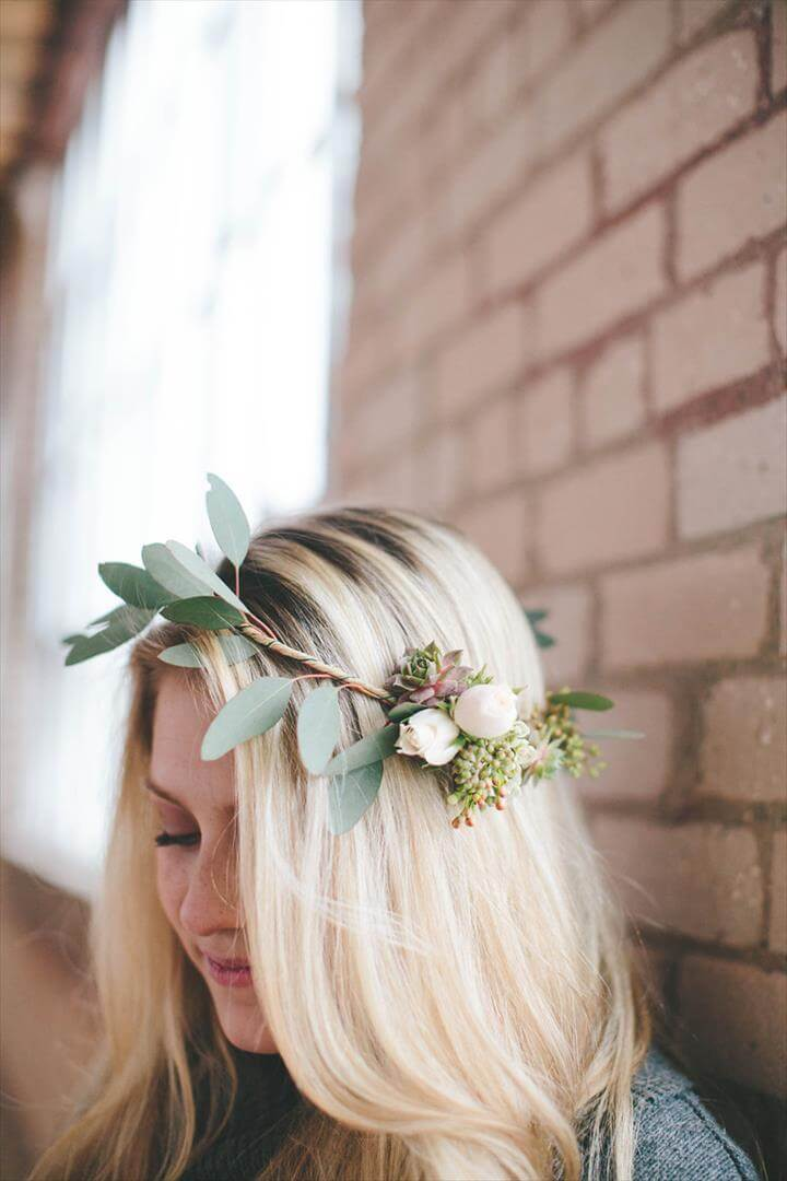 DIY an Easy Asymmetrical Flower Crown for Minimalists