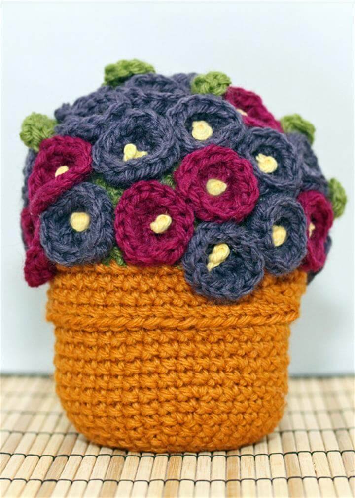 Its an other beautiful idea of making flower bouquet with crochet which requires no cleaning attention. Just love it.