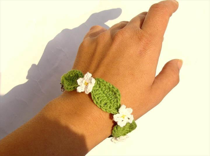 Crochet daisy flower bracelet, fiber jewelry crochet