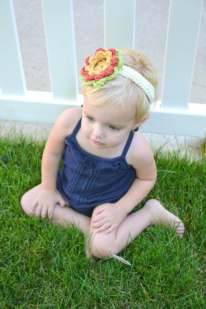 All Things Bright and Beautiful: Crochet Flower Headband Pattern
