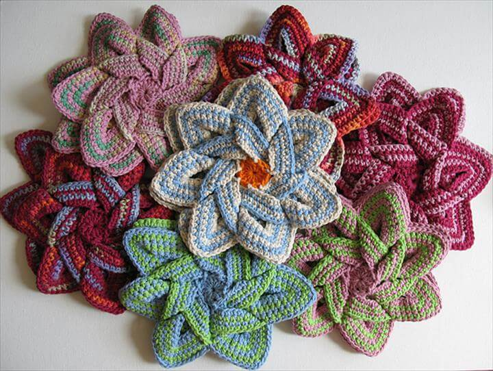 Crochet Flower Hot Pad - make your kitchen a work of art!