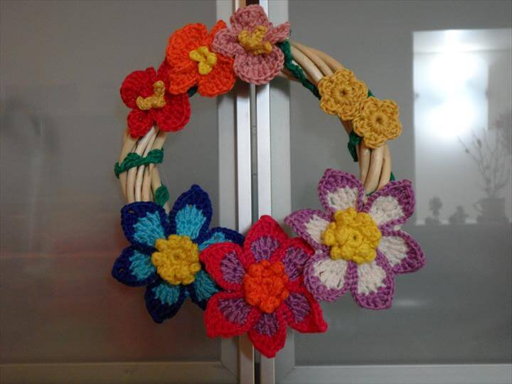 wreath from crochet