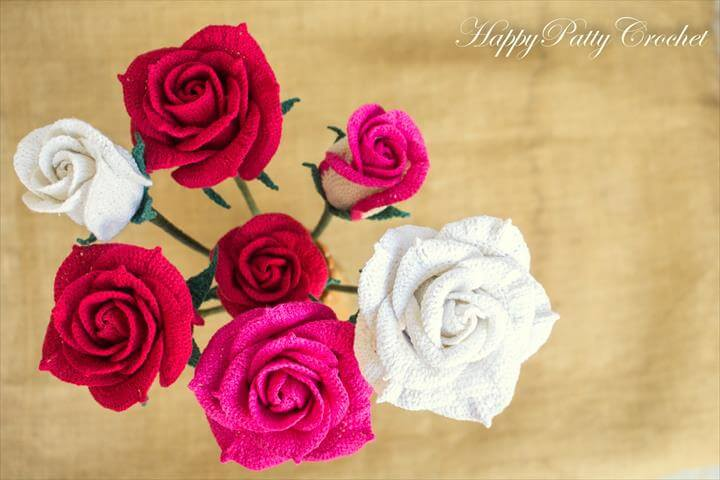 3 Roses Bundle – Bouquet & Decor