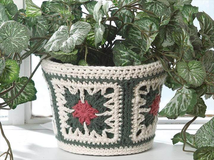 Crocheted Flower Pot Case