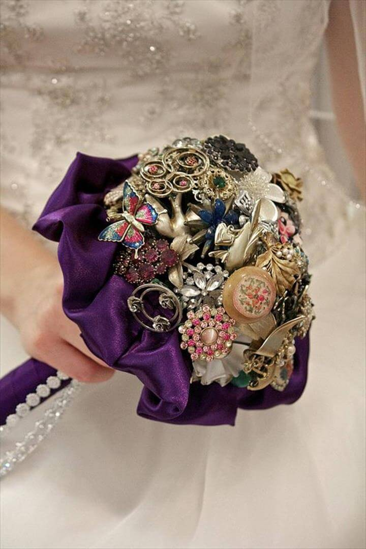 DIY bridal brooch bouquet with DIY ornament wedding bouquets