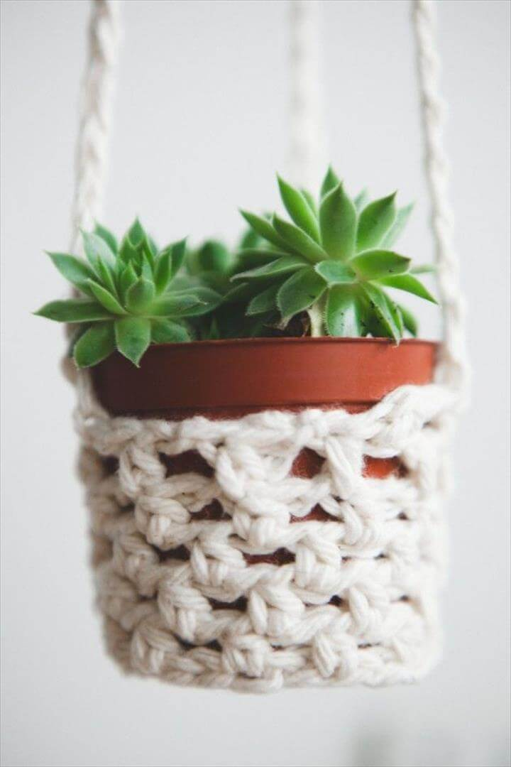 Crochet basics: easy diy coffee snuggy & plant hanger