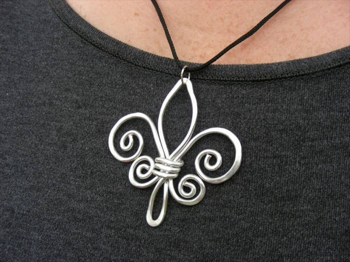 Hammered Wire Necklace, cool wire necklace