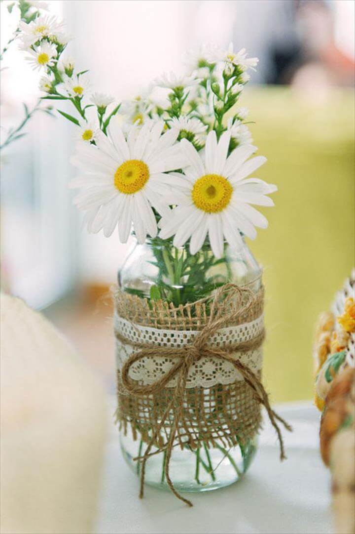 Clever Ways to Use Mason Jars at Your Wedding