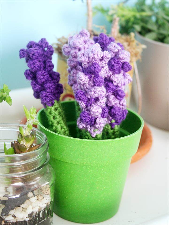 Mother's Day Lavender Crochet Pen Cozy Bouquet pattern