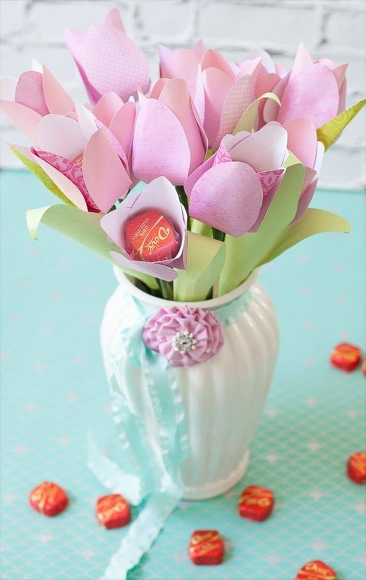 gift ideas for Mothers Day DIY paper flower tulip bouquet in vase