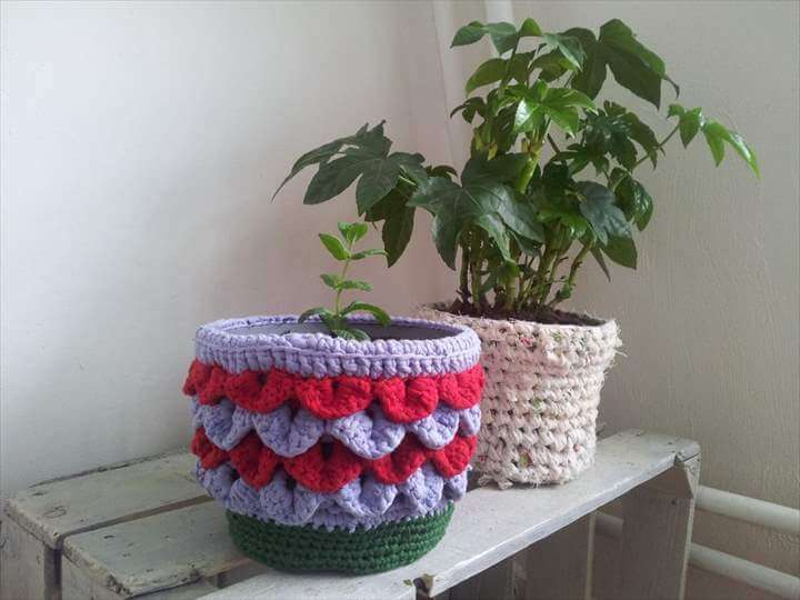 Shiny Happy Plant Pot Holder Free Crochet Pattern