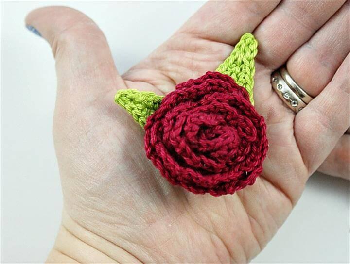 Rose Brooch Free Pattern