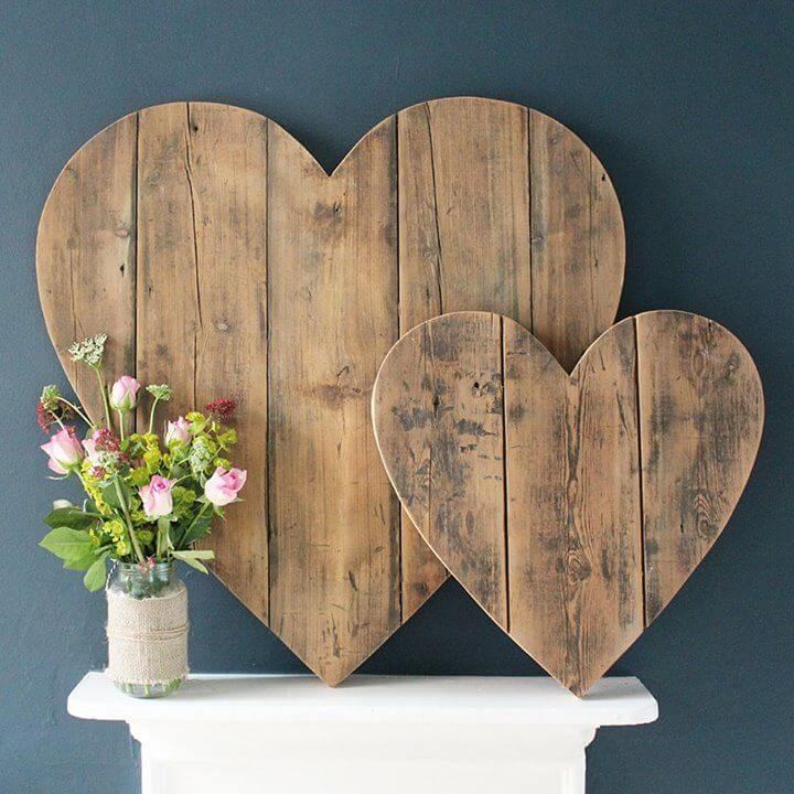 Love These Big Wooden Hearts