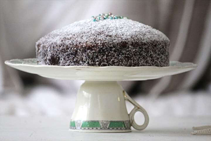 Coffee Cup Cake Stand