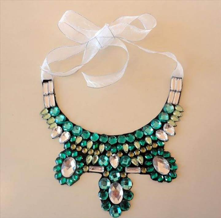 diy collar necklace pattern ribbon glueing rhinestones