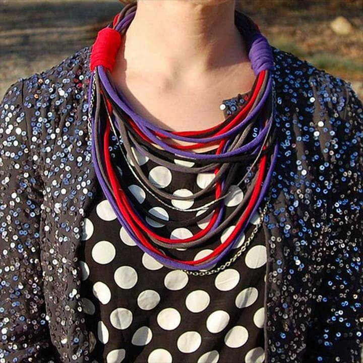 DIY T shirt Necklace.This cool T shirt necklace will be a perfect addition to
