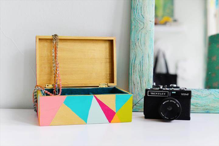 Organize Your Jewelry With This Colorful, Geometric DIY