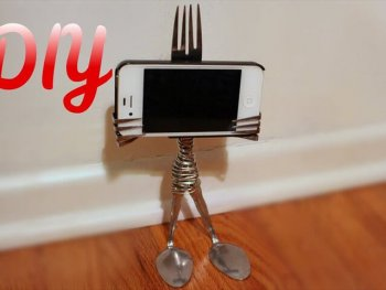 DIY Fork iPhone Stand (Gift Idea)