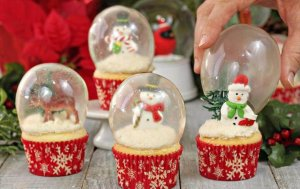 DIY Snow Globe Cupcakes with Gelatin Bubbles
