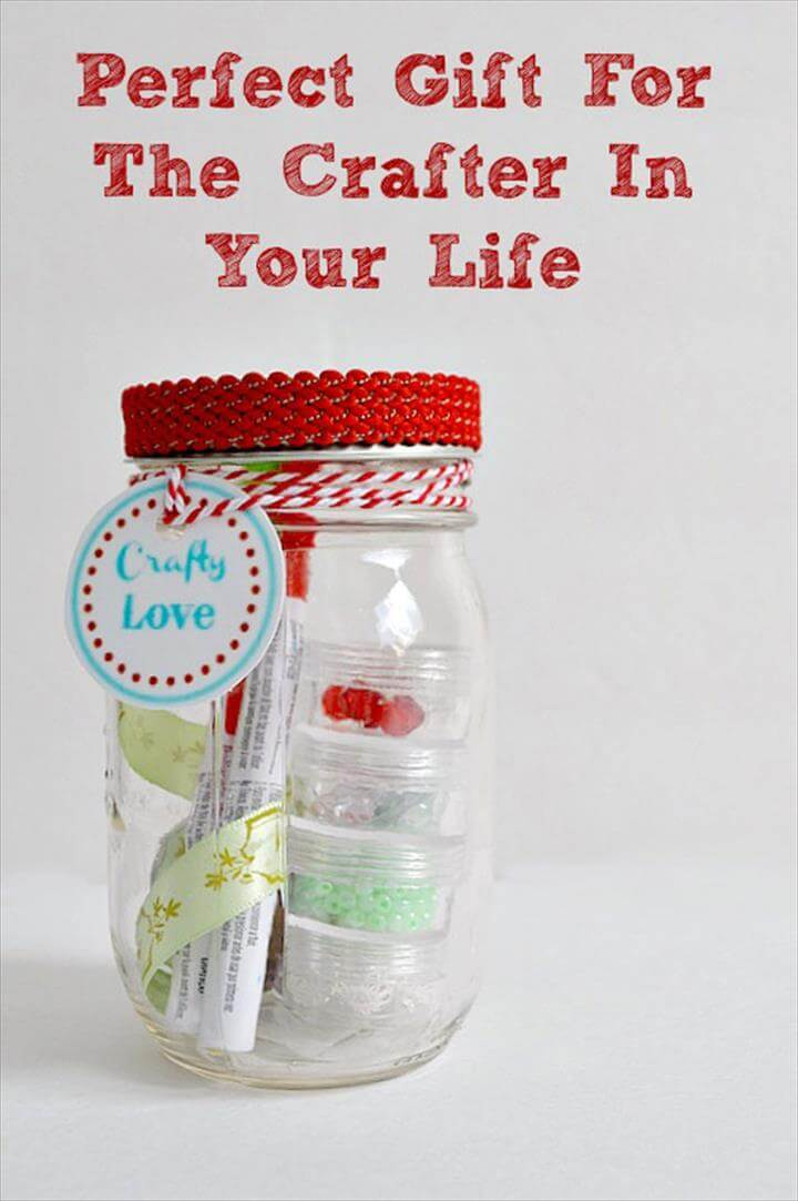 Homemade DIY Gifts in A Jar | Best Mason Jar Cookie Mixes and Recipes,