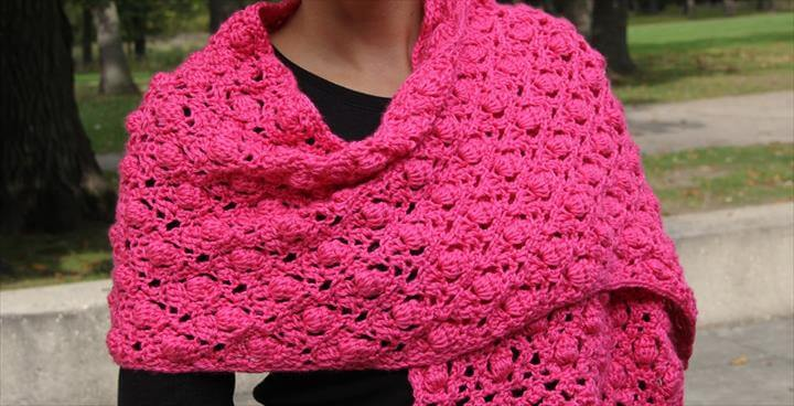 18 quick easy crochet shawl pattern diy to make shawl crochet pattern acorn and raspberry stitch combination dt1010fo