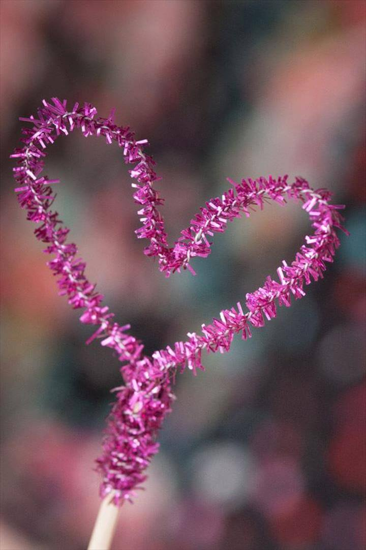 Shiny pipe cleaner heart topper