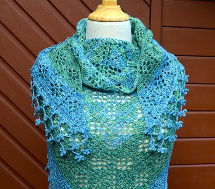 Crochet shawl pattern: fruity shawl