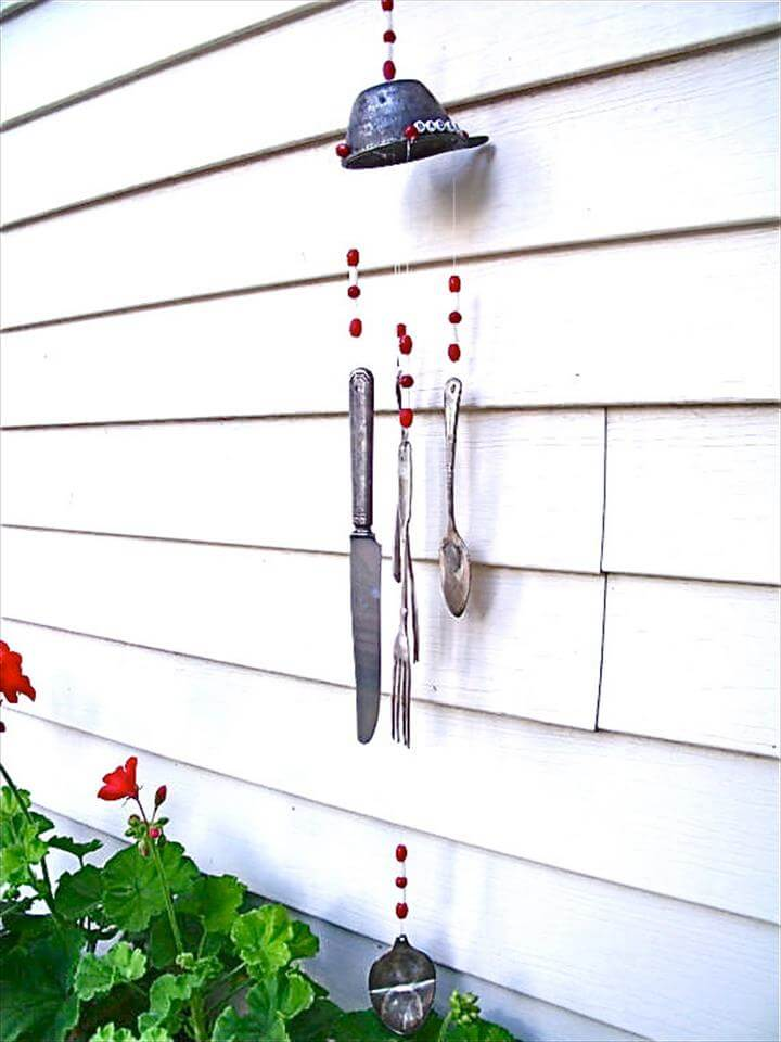 Creative upcycling ideas – wind chimes from old cutlery