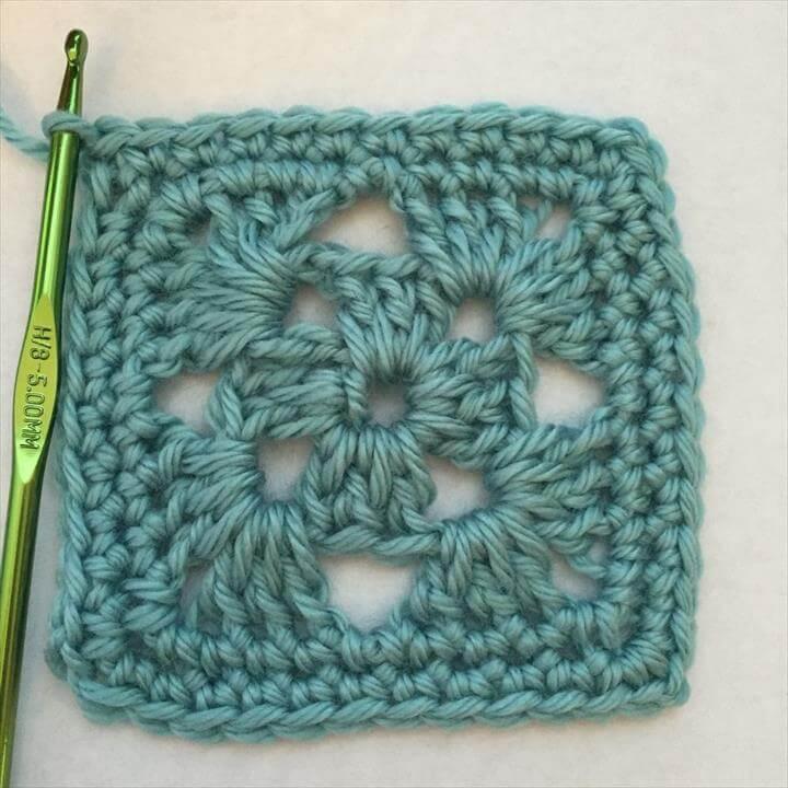 Crochet a Granny Square: