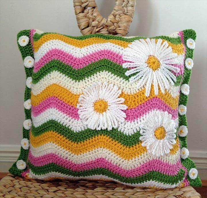 Daisy ripple crochet pillow cover