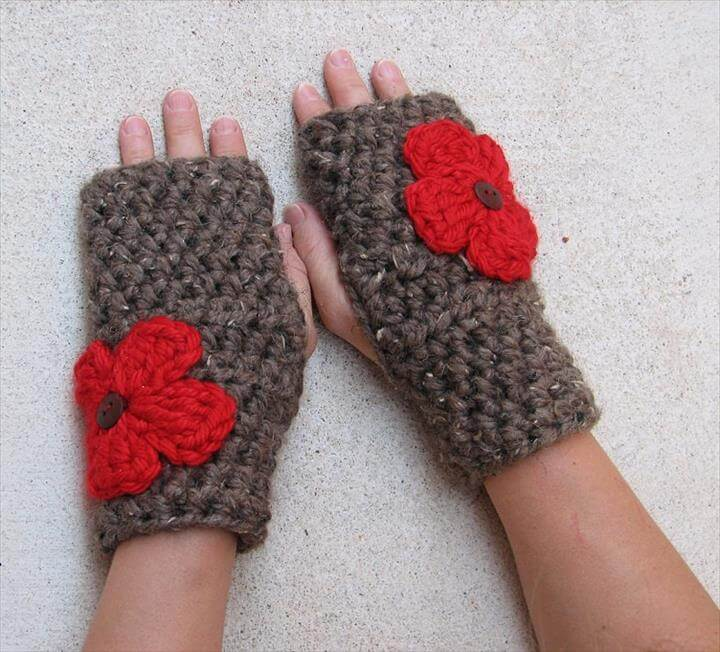 Fingerless gloves with Red Flowers